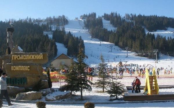 У змаганнях беруть участь аматори та ветерани гірськолижного спорту.  Організатори змагань наполегливо рекомендують всім учасникам змагань мати  спортивну ... dd26bf5ef54f3